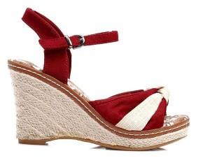 rozkosne-cervene-sandalky-na-klinku (1)