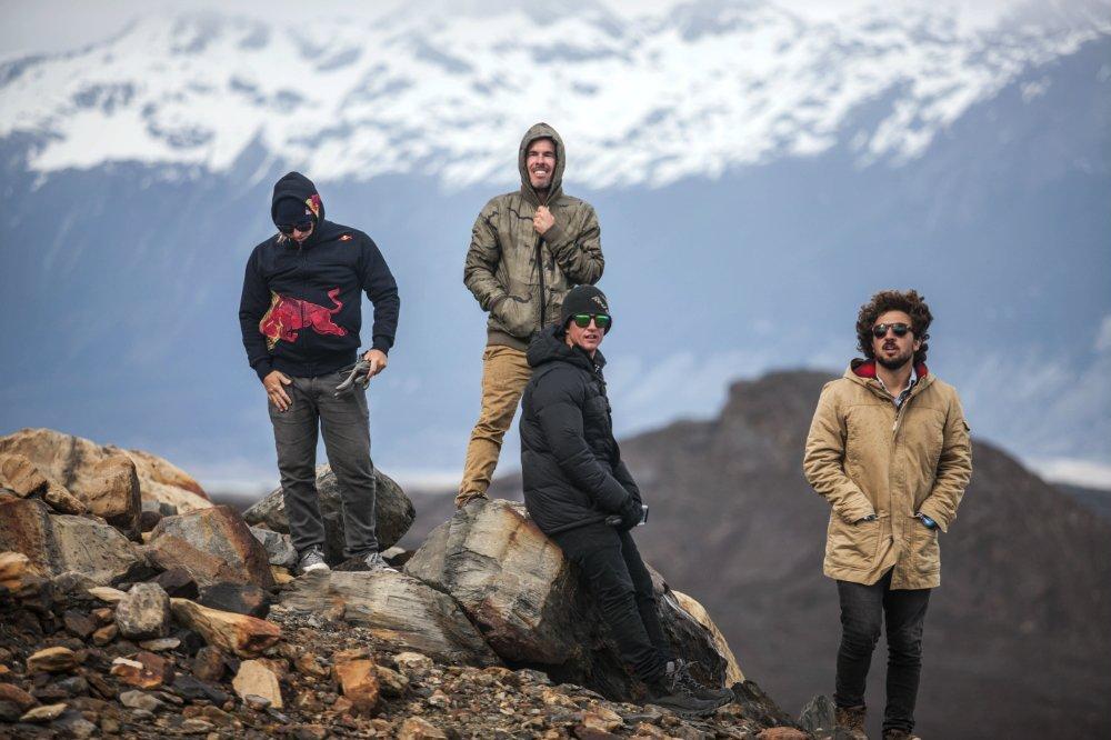 Patagonia-Iceberg- All